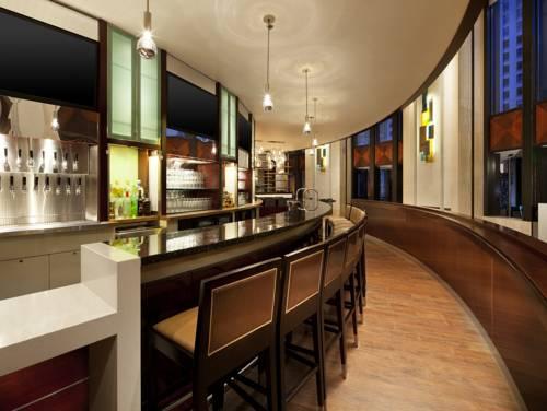 Westin Seattle lounge